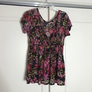 Lacey Flower Top
